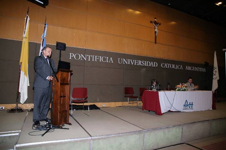 Meeting president Prof. Sergio Madeo during his opening speech.